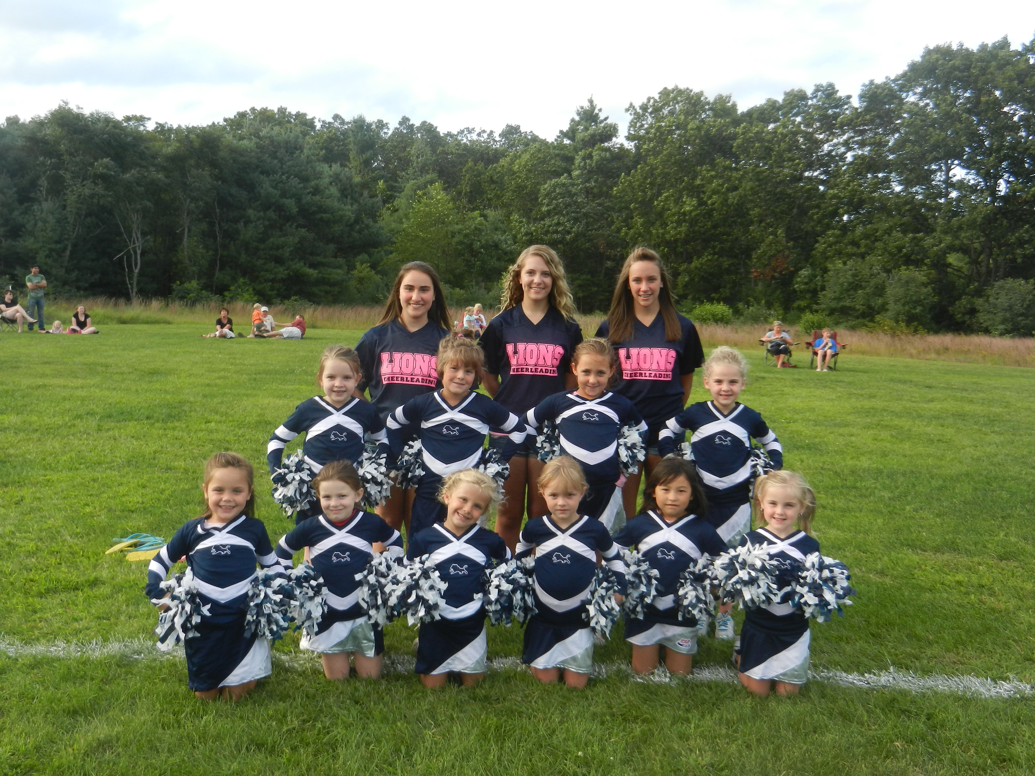 Midget football cheerleading